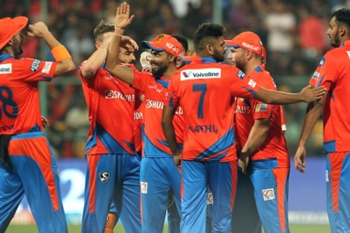 Finch guides comfortable win for Gujarat Lions