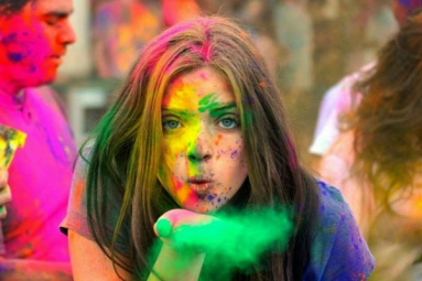 Holi 2019: Tips to Protect Your Hair and Skin from Holi Colors